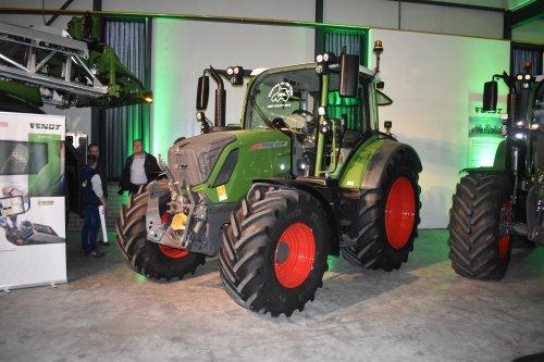 Foto van een Fendt 313 Vario bij de mechangroep.. Geplaatst door jordi 1455 op 10-02-2020 om 18:38:31, op TractorFan.nl - de nummer 1 tractor foto website.