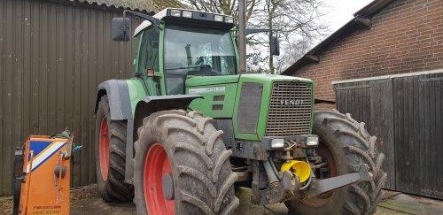 Foto van een Fendt 824, Vandaag een van de bekendste 824s van tractorfan bekeken. Geplaatst door johndeere 3650 op 16-02-2020 om 17:42:37, met 10 reacties.
