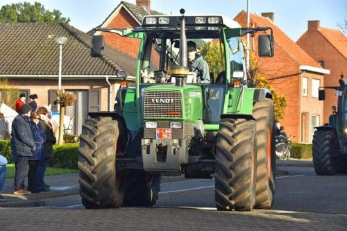 Foto van onze 509 op de tractorzegening te Oosthoven (B). Geplaatst door fendtjecis op 23-02-2020 om 20:01:45, op TractorFan.nl - de nummer 1 tractor foto website.