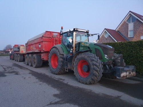 Gm Damsteegt (Oud alblas) × op de foto met een Fendt 930.. Geplaatst door T.Tanis op 27-03-2020 om 18:28:48, op TractorFan.nl - de nummer 1 tractor foto website.