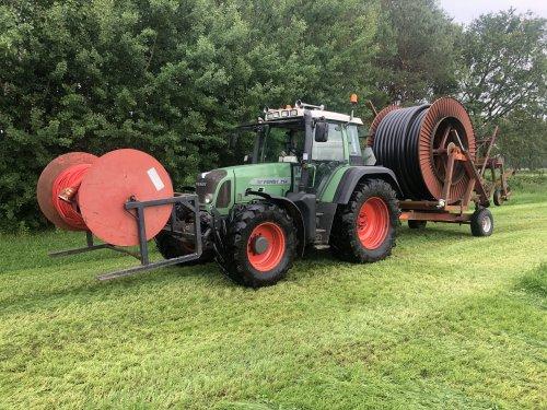 Foto van een Fendt 714. Geplaatst door sameiron op 10-06-2020 om 16:19:13, op TractorFan.nl - de nummer 1 tractor foto website.