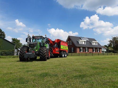 Foto van een Fendt 939. Geplaatst door Rickfendt615 op 12-06-2020 om 16:04:40, op TractorFan.nl - de nummer 1 tractor foto website.
