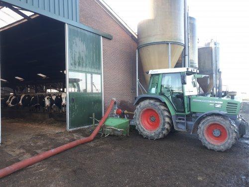 Eventjes er voor zorgen dat de koeien schonen voetjes houden. Geplaatst door fendtfarmer412 op 05-12-2020 om 11:17:55, met 19 reacties.