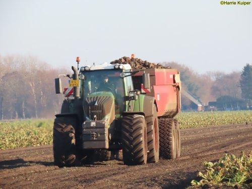 Foto van een Fendt 936. Geplaatst door oldtimergek op 13-01-2021 om 11:28:29, op TractorFan.nl - de nummer 1 tractor foto website.