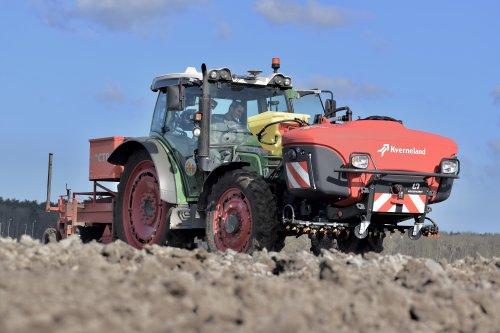 Foto van een Fendt 211 Vario beddenfrezen op gps. Geplaatst door warmerbros op 19-03-2021 om 23:20:55, op TractorFan.nl - de nummer 1 tractor foto website.