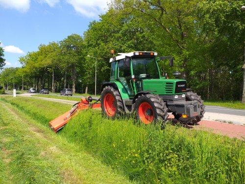 Foto van een Fendt 307 LSA kanten klepelen. Geplaatst door 105ls78 op 29-05-2021 om 18:30:40, op TractorFan.nl - de nummer 1 tractor foto website.