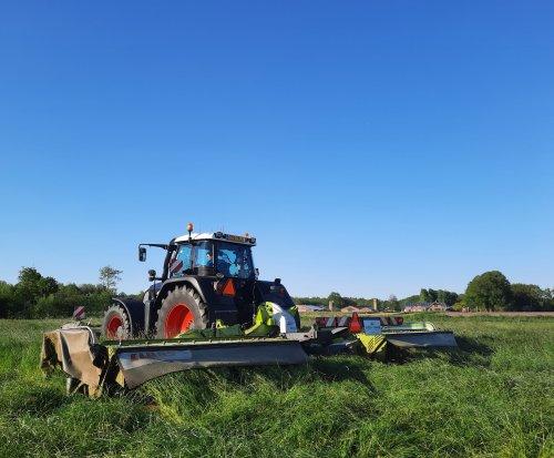 Weer eens even wat stukjes mogen maaien. Geplaatst door wart op 01-06-2021 om 21:24:31, op TractorFan.nl - de nummer 1 tractor foto website.
