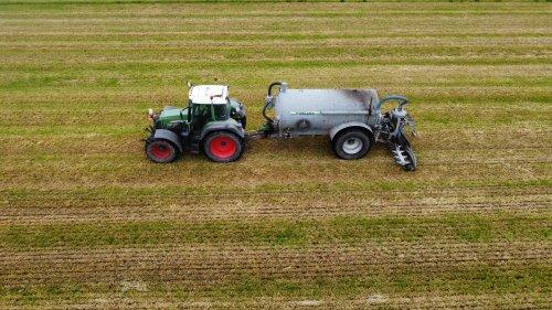 Foto van een Fendt 718. Geplaatst door langeniebange op 05-06-2021 om 17:52:29, op TractorFan.nl - de nummer 1 tractor foto website.