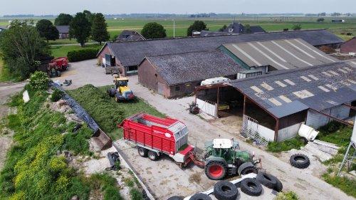 Foto van een Fendt 718. Geplaatst door langeniebange op 14-06-2021 om 20:41:21, op TractorFan.nl - de nummer 1 tractor foto website.