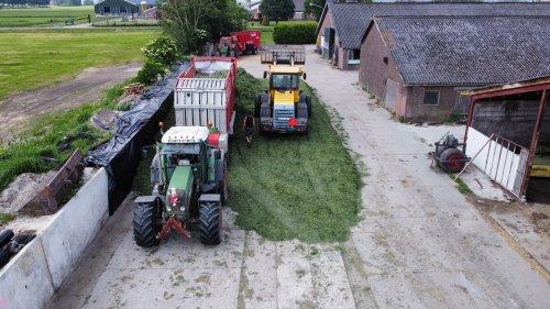 Foto van een Fendt 718. Geplaatst door langeniebange op 14-06-2021 om 20:41:22, op TractorFan.nl - de nummer 1 tractor foto website.