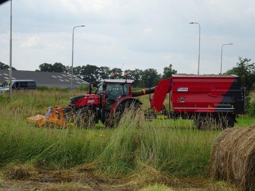 Foto van een Fendt 211 Vario Gras maaien bij Brummen. Geplaatst door dickt op 23-07-2021 om 18:48:34, met 3 reacties.