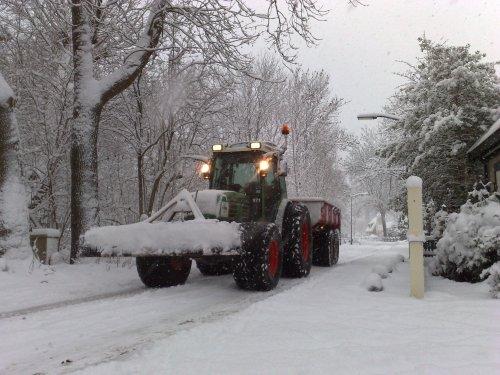 Fendt 209 + Minibeco @ Haarlem. Geplaatst door Deutz-Power op 24-12-2010 om 20:31:00, met 3 reacties.