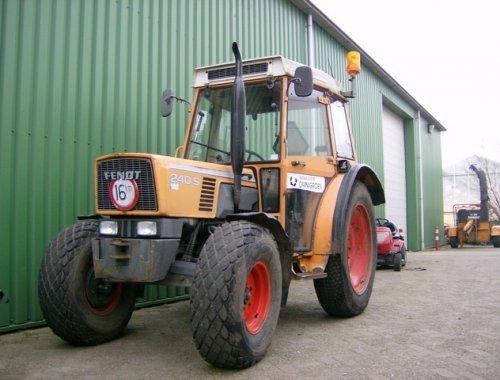 mooie Fendt 240s van Omnigroen. Geplaatst door nielsh op 29-03-2007 om 12:43:56, op TractorFan.nl - de nummer 1 tractor foto website.