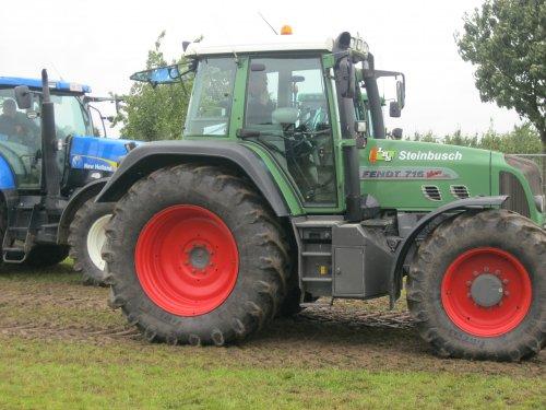 Foto van een Fendt 716, bezig met tractorpulling. Geplaatst door steyrlanzboy op 24-07-2011 om 18:56:11, op TractorFan.nl - de nummer 1 tractor foto website.