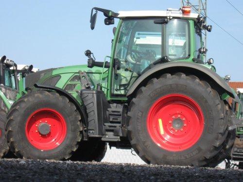Foto van een Fendt Prototype, bezig met poseren. foto kwam ik tegen op facebook via landwirt.com. Het zou de fendt 500 vario zijn. types: 512,513,514,516 81kW - 110 kW 3varianten : power, profi en profiplus