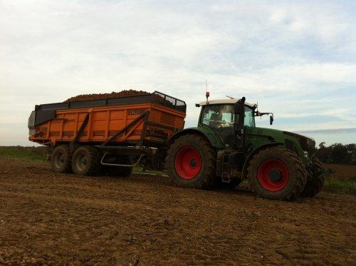 mijn combi afgelopen aardappel seizoen 936 met dezeure hooglosser. Geplaatst door timme936 op 23-11-2012 om 10:14:51, op TractorFan.nl - de nummer 1 tractor foto website.