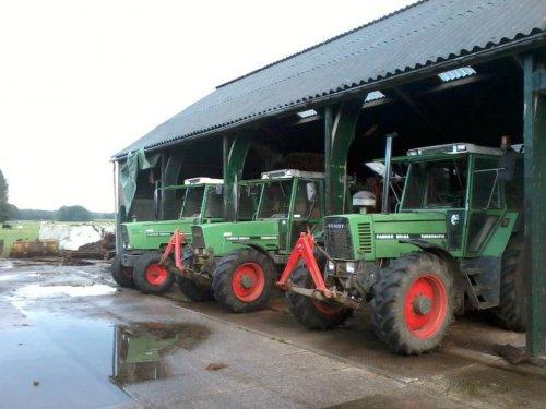 Foto van een Fendt 300 Serie, bezig met poseren.  306,308 en 311 LSA. Geplaatst door Twan Berendsen op 23-11-2012 om 11:44:15, met 9 reacties.