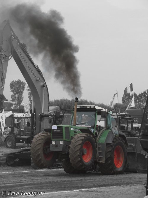 Fendt 818 Wallpaper