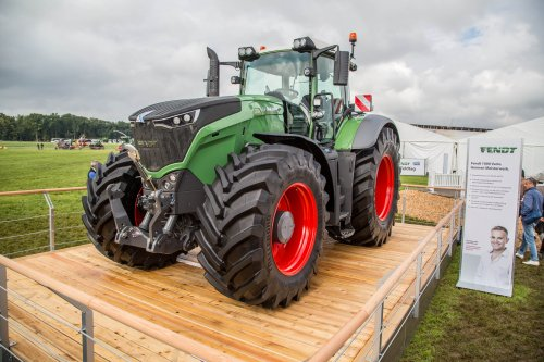 Fendt 1050 Wallpaper