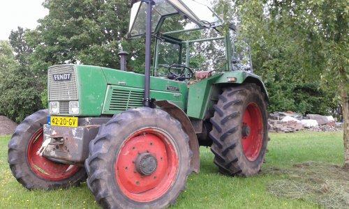 Foto van een Fendt Favorit 612s.. Geplaatst door Fendt Farmer 2E op 13-06-2015 om 19:44:56, op TractorFan.nl - de nummer 1 tractor foto website.