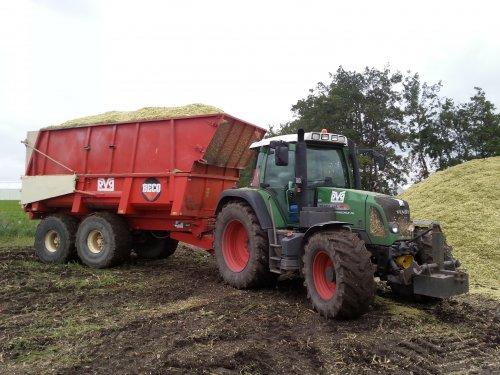 Paar dagen mais gereden afgelopen week. Geplaatst door wouter6030 op 24-10-2015 om 20:32:15, op TractorFan.nl - de nummer 1 tractor foto website.
