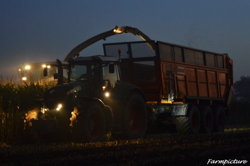 Nog een foto van de hakselmais in 2015. Geplaatst door Jan Ramon op 20-11-2015 om 17:03:11, op TractorFan.nl - de nummer 1 tractor foto website.