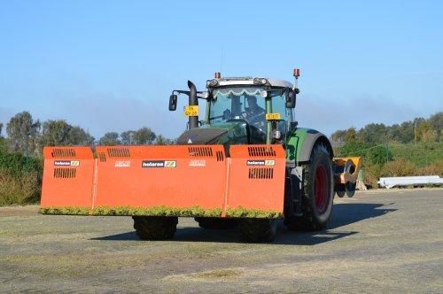 Foto van een Fendt 930, bezig met maïs inkuilen. Geplaatst door Fendt-LSA op 07-01-2016 om 17:23:24, op TractorFan.nl - de nummer 1 tractor foto website.