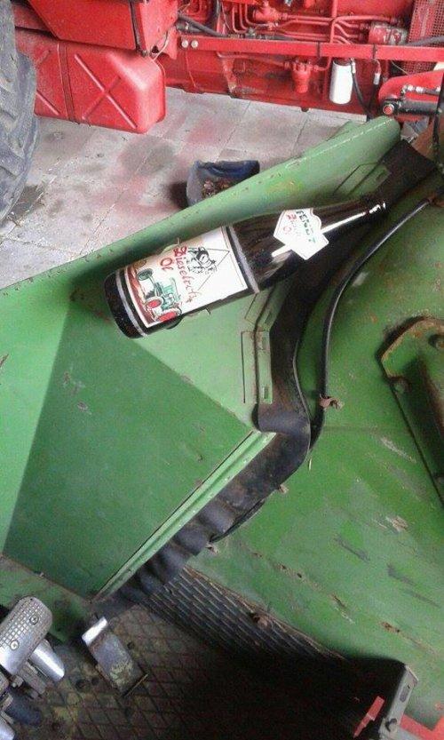 Foto van een Fendt Humor Fendt Dieselroß  Oil bier. Geplaatst door Fendt Farmer 2E op 07-03-2016 om 20:48:19, met 3 reacties.