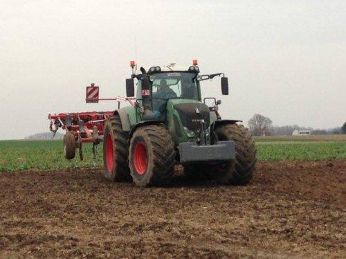 Foto van een Fendt 939 Akkerbouwbedrijf Avermaet met de nieuwe Horsch 5 FX. Geplaatst door jeroen13 op 04-04-2016 om 14:40:43, op TractorFan.nl - de nummer 1 tractor foto website.