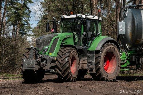 Crossen door de Postelse bossen!  Fendt 828 met Joskin Euroliner 26000 Arbio - Arendonk (B). Geplaatst door mike_v op 04-04-2016 om 19:56:31, op TractorFan.nl - de nummer 1 tractor foto website.