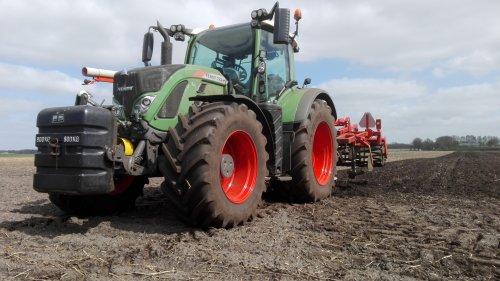 Foto van een Fendt 722 Vario. Geplaatst door claasfan op 21-04-2016 om 17:02:31, op TractorFan.nl - de nummer 1 tractor foto website.