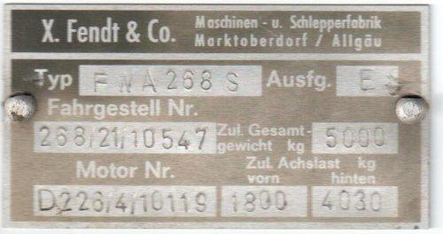 H.Jak transportbedrijf BV op de foto met een Fendt 100 Serie.. Geplaatst door HJak transport op 02-05-2016 om 21:22:14, met 4 reacties.