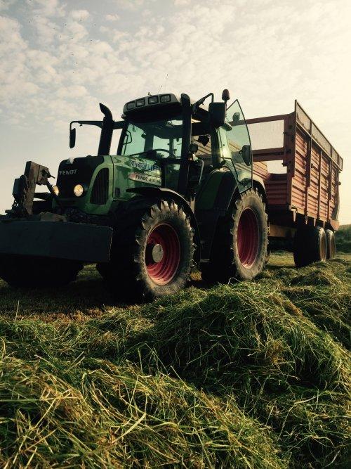 woest paardje!. Geplaatst door Deere17 op 14-06-2016 om 19:11:05, op TractorFan.nl - de nummer 1 tractor foto website.
