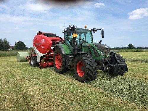 Foto van een Fendt 724. Geplaatst door egesink op 11-09-2016 om 21:05:07, op TractorFan.nl - de nummer 1 tractor foto website.