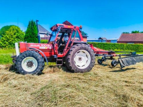 Op een zonnige dag effe nog wat plaatjes geschoten. Geplaatst door stijntje1 op 28-06-2017 om 16:26:29, op TractorFan.nl - de nummer 1 tractor foto website.