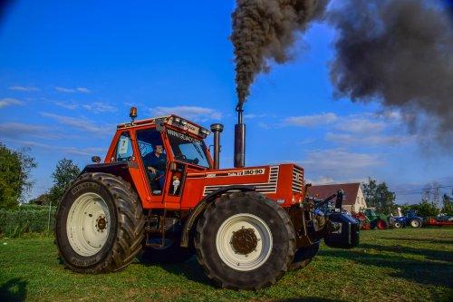 Foto van een Fiat 180-90 van de Firma Gejaco verdeler van New Holland. Geplaatst door jd7920 op 02-09-2019 om 00:24:14, met 13 reacties.