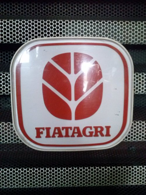 Foto van een Fiat Logo, bezig met poseren. 130-90 DT. Geplaatst door gkgerbengk op 22-09-2013 om 15:48:07, op TractorFan.nl - de nummer 1 tractor foto website.