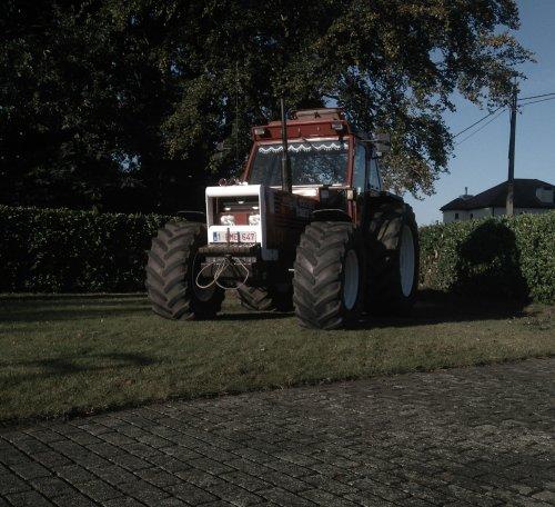 men projectje nog maar eens vastgelegd op n redelijk gelukt plaatje. Geplaatst door stijntje1 op 17-10-2016 om 17:20:54, op TractorFan.nl - de nummer 1 tractor foto website.