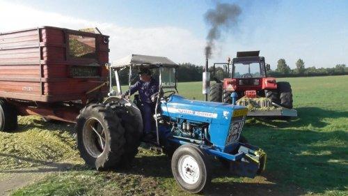 25 september 2016 - Maishakselen in Markelo met oldtimer machines door hakselteam