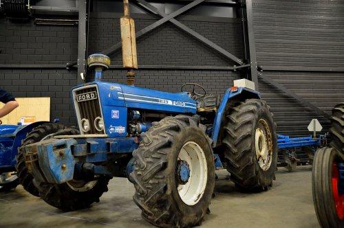 Ford 1186 van SJB533