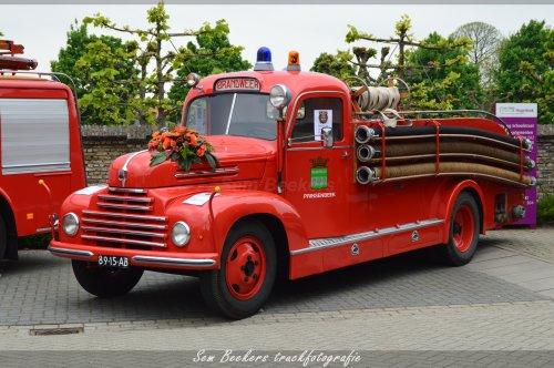 Foto van een Ford Köln, opgebouwd als brandweer.. Geplaatst door sem-beekers op 07-05-2017 om 22:00:34, op TractorFan.nl - de nummer 1 tractor foto website.