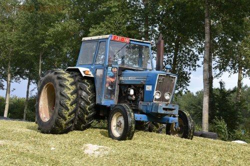 Ford 6600 op dubbellucht.. Geplaatst door Mick Jaguar op 10-09-2017 om 21:06:21, op TractorFan.nl - de nummer 1 tractor foto website.