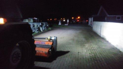 Foto van een Ford 5110 4 x 27 watt ledlampen. Geplaatst door karlofendt op 17-10-2017 om 22:43:56, op TractorFan.nl - de nummer 1 tractor foto website.