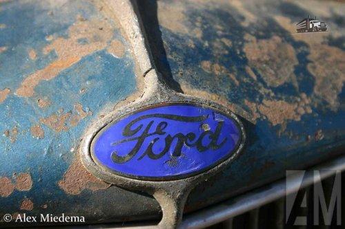Foto van een Ford logo.. Geplaatst door Alex Miedema op 26-06-2016 om 23:38:10, met 2 reacties.