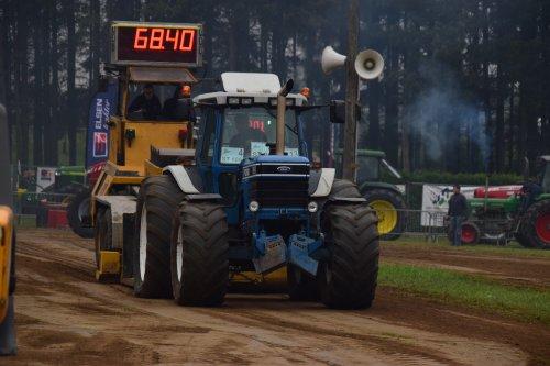 Foto van een Ford 8830. Geplaatst door jd7920 op 17-05-2018 om 20:08:34, op TractorFan.nl - de nummer 1 tractor foto website.