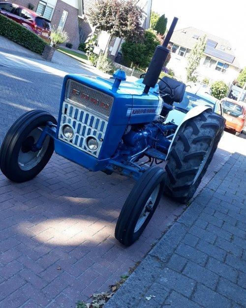 Ford 2000. Geplaatst door Ramonbotterford2000 op 29-07-2018 om 08:57:07, op TractorFan.nl - de nummer 1 tractor foto website.