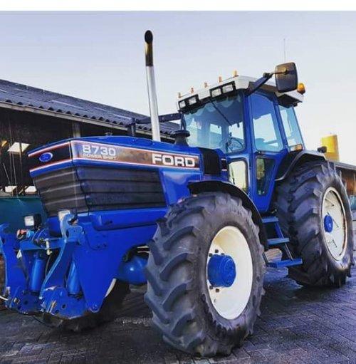 Foto van een Ford 8730. Geplaatst door jcb416s op 09-08-2018 om 20:11:43, op TractorFan.nl - de nummer 1 tractor foto website.