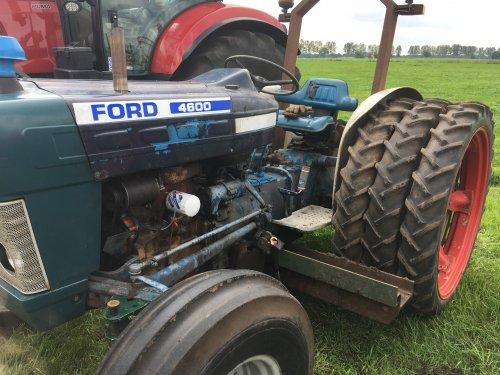 Foto van een Ford 4600. Geplaatst door favorit12s op 08-09-2018 om 22:26:51, met 16 reacties.
