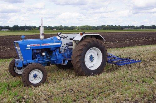 Foto van een Ford 4000. Geplaatst door jans-eising op 13-09-2018 om 21:28:47, op TractorFan.nl - de nummer 1 tractor foto website.