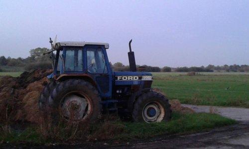 Ford 7710 van 16045HSX